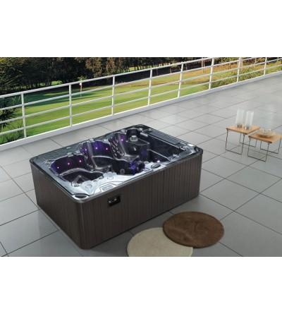 Aspen Theatre Hot Tub